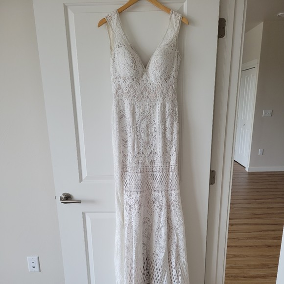 Allure Bridals 9607