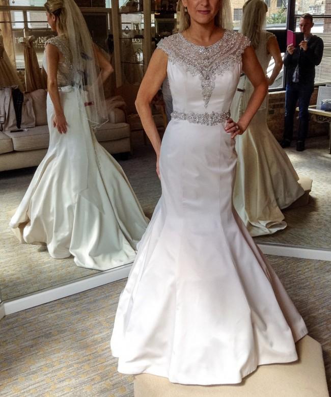 Bonny Bridal, 305