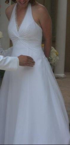 7e6ccbf72e4 David s Bridal V9621 Used Wedding Dress on Sale 68% Off - Stillwhite