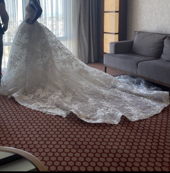Monique Lhuillier Wish with matching Wish veil and Lizzi shrug