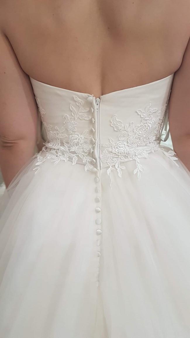 Allure Bridals, 2566