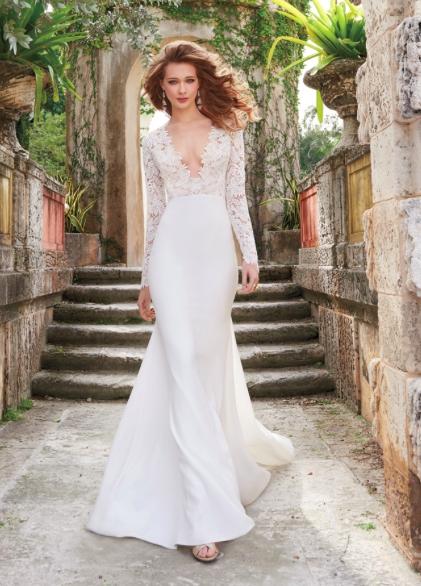 Tara Keely Delaney, Style TK2450