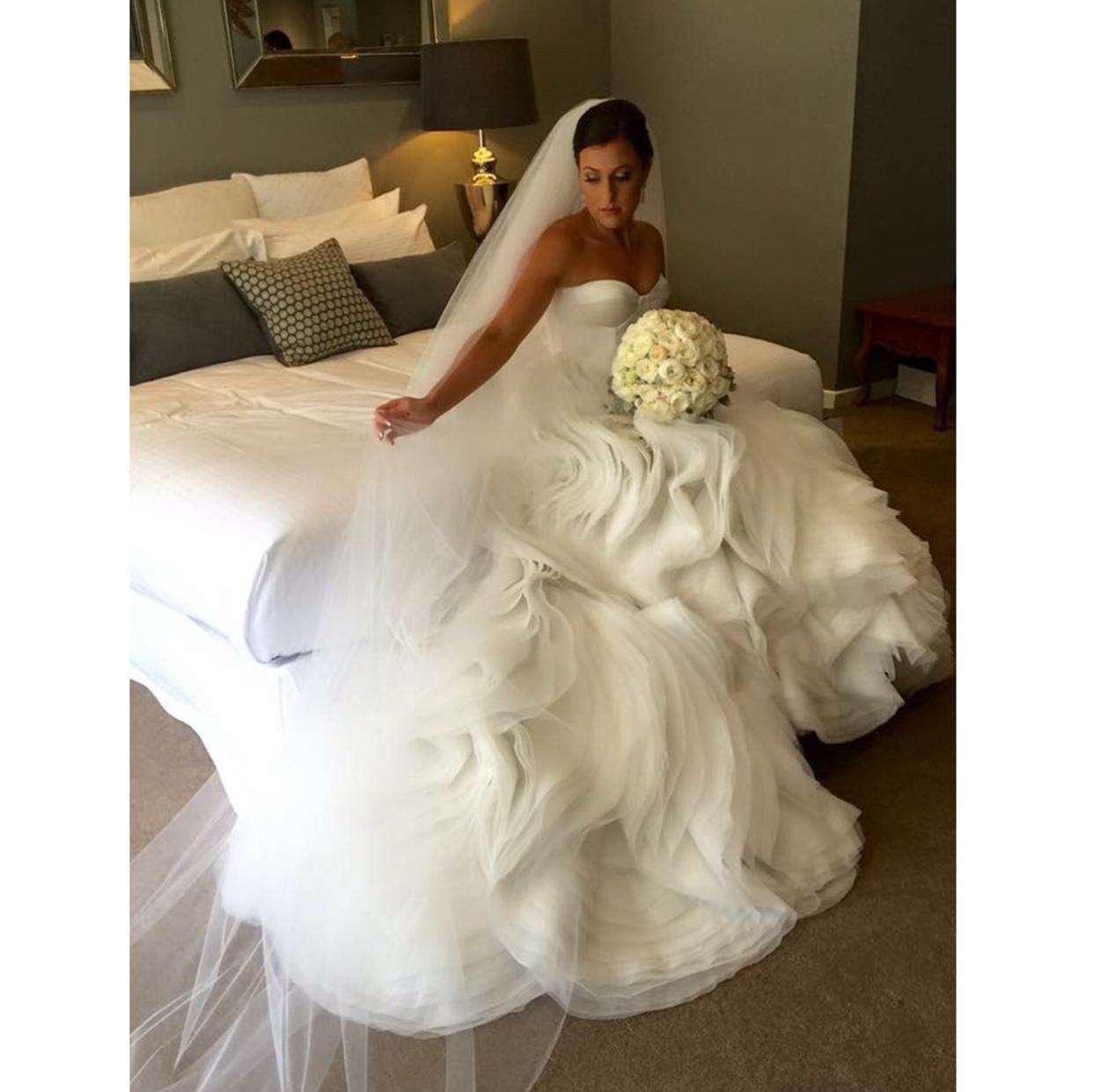 Henry Roth Second Hand Wedding Dress On Sale 82 Off: Violetta Bridal Custom Made Second Hand Wedding Dress On