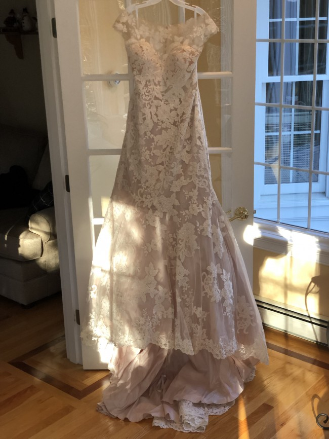 Allure Bridals, 9422