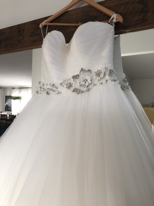 Allure Bridals Allure Romance, 2601