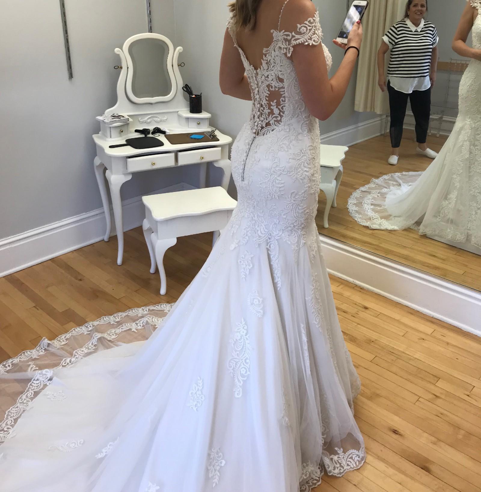 Cheap Wedding Dresses Mn: Maggie Sottero Della New Wedding Dress On Sale 39% Off