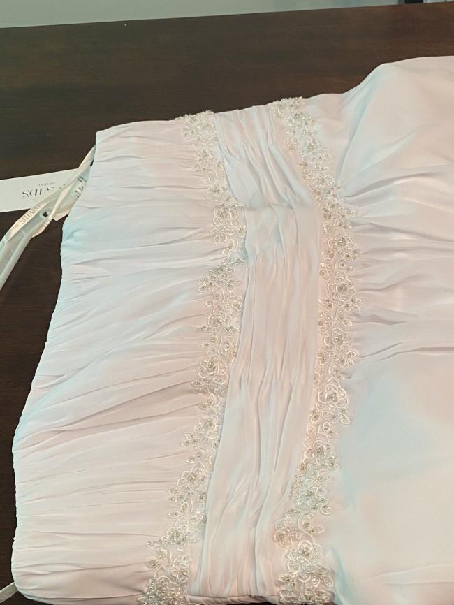 David's Bridal 9V9743