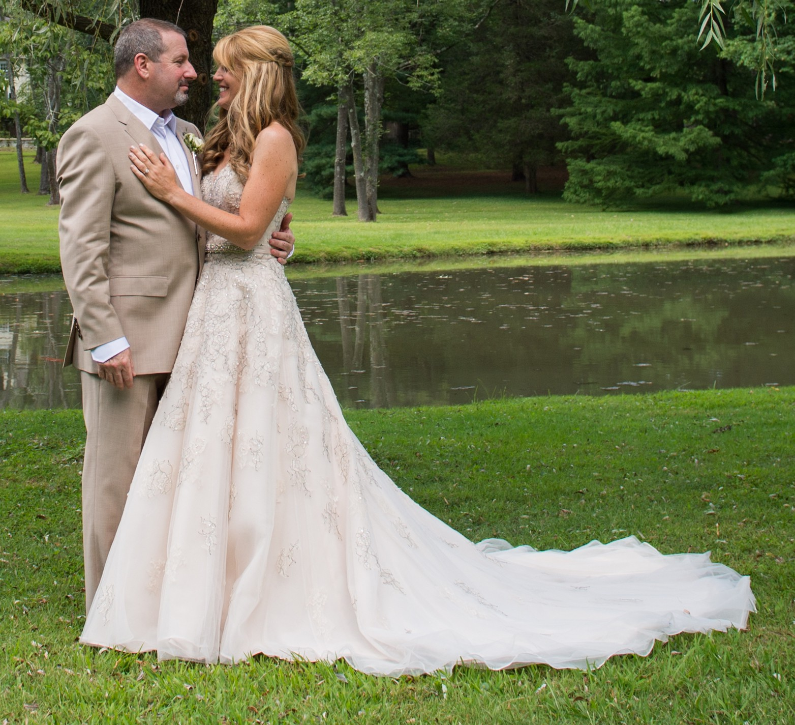 Starling Preloved Wedding Dress On