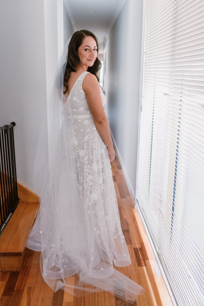 01e9288d50 Anna Campbell Amelie Preloved Wedding Dress on Sale 54% Off ...