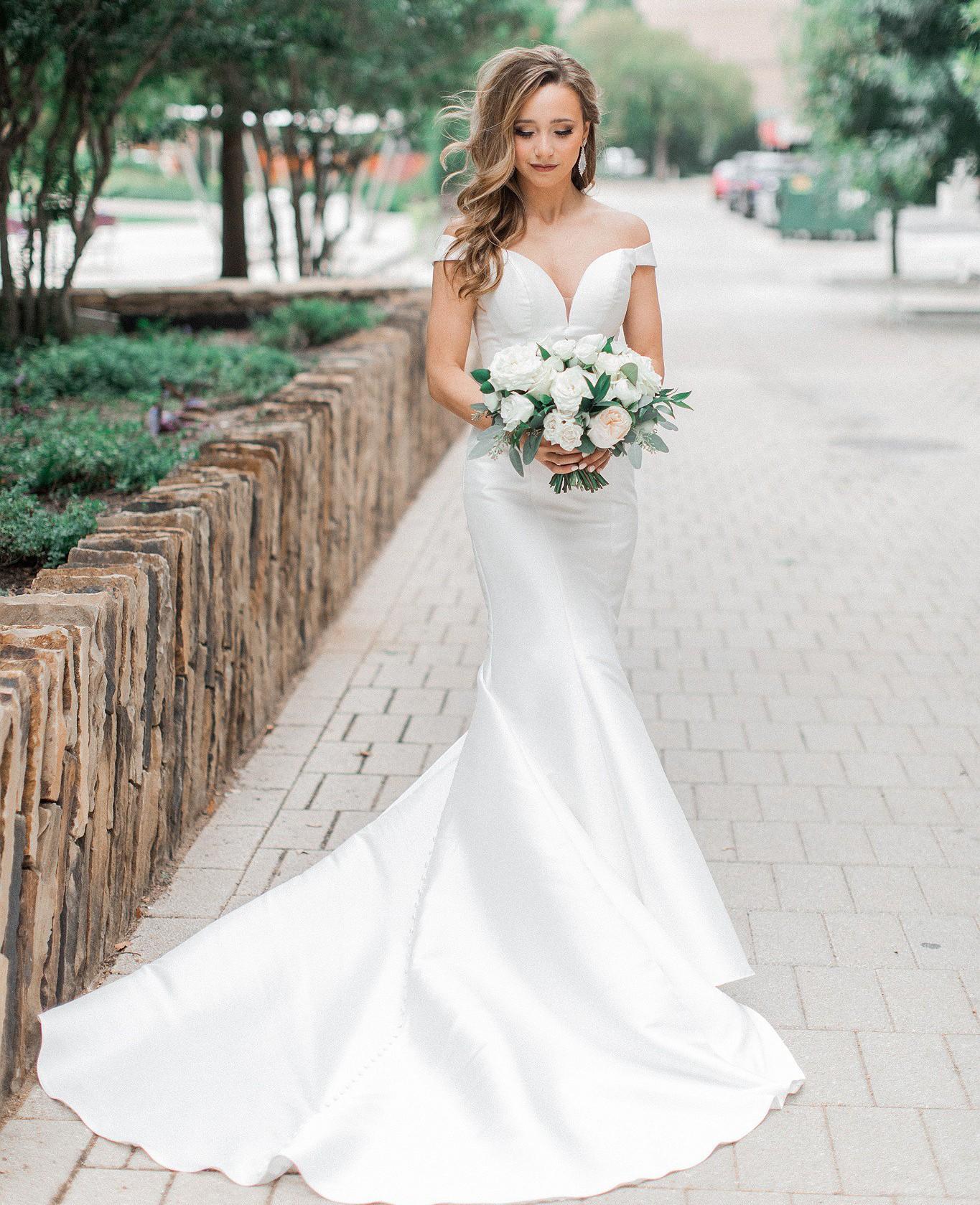 Essense Of Australia D2477 Second Hand Wedding Dress Save