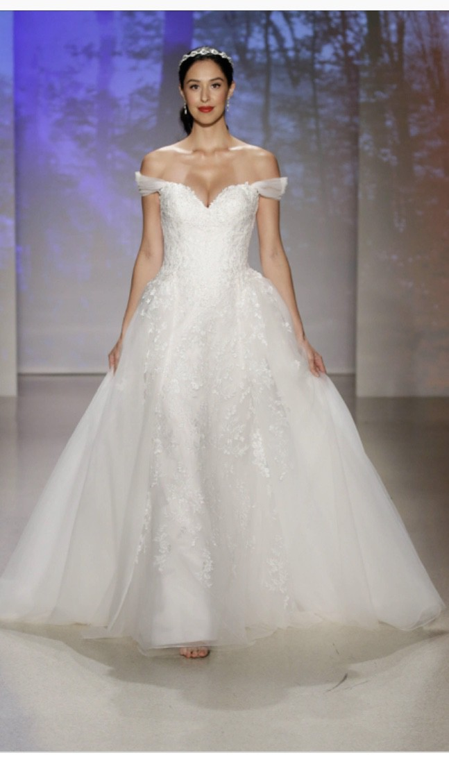 Alfred Angelo Snow White Wedding Dress On Sale 85 Off