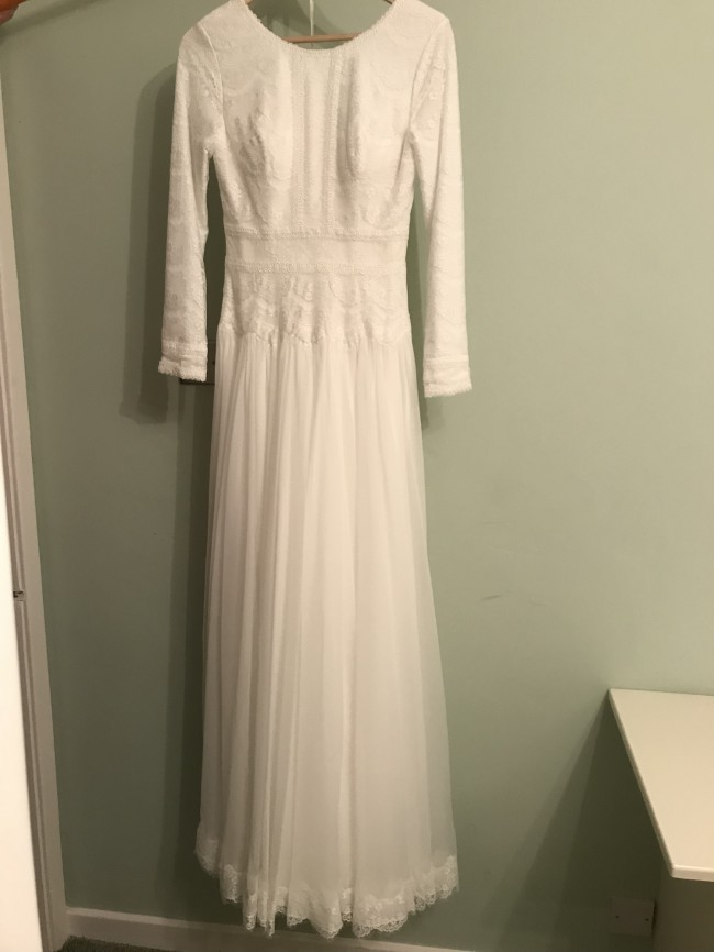 0925f594122 Maggie Sottero Deirdre Marie New Wedding Dress on Sale 42% Off ...