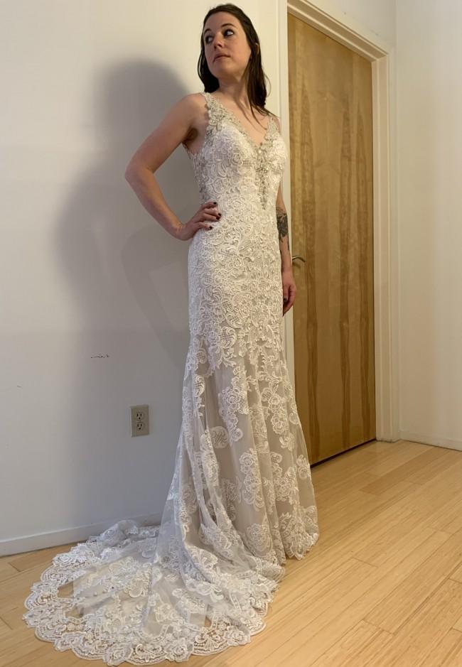 Allure Bridals Style No: 9316