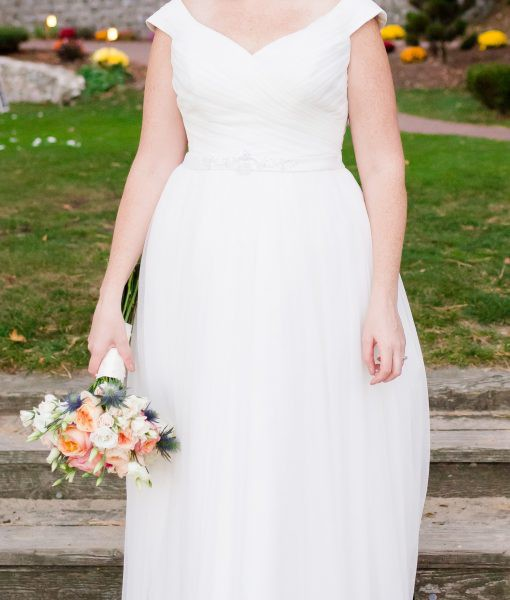 David's Bridal A line Tulle Wedding dress and Beaded Sash