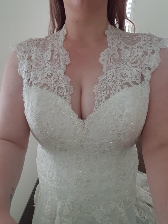 Allure Bridals 8965