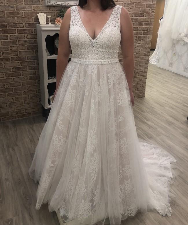 Madison James MJ463 Plunging V-Neckline Lace A-Line Wedding Dres
