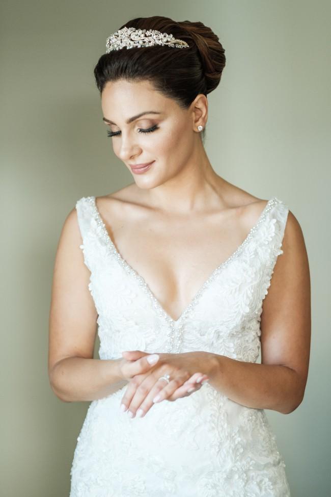 Alyne Bridal, Mia