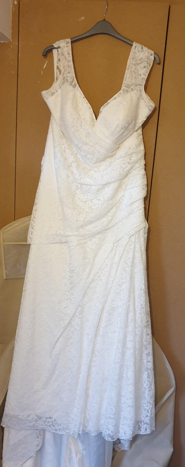 Allure Bridals, W414