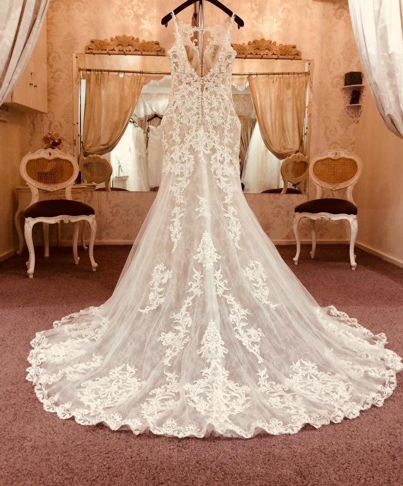Essense Of Australia D2548 Used Wedding Dress On Sale 68