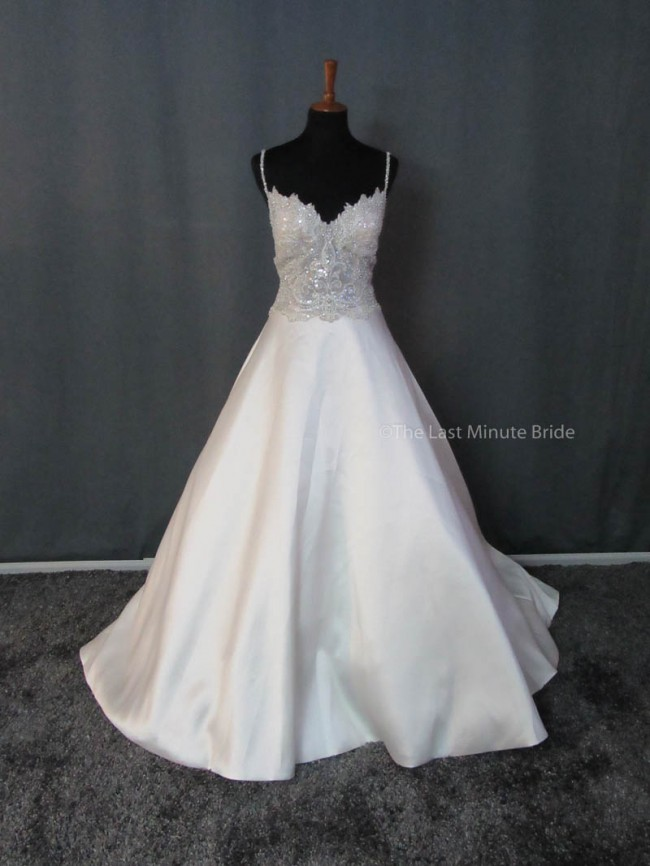 Allure Bridals 9404