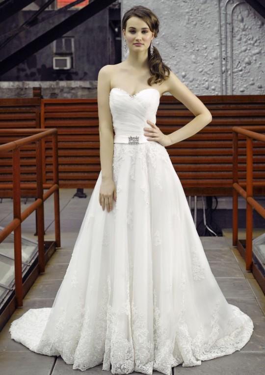 Henry Roth Kalea Used Wedding Dress On Sale 65 Off Stillwhite