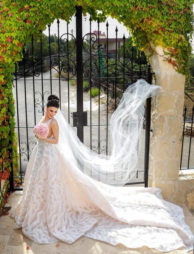 Bizzaro Bridal, Custom Made