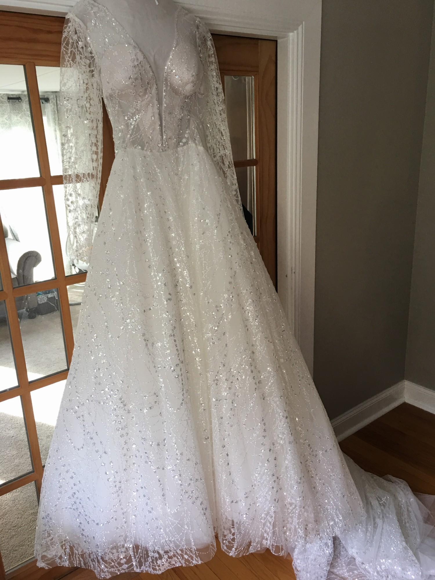 6c6d55a7f482 Pnina Tornai Ball Gown New Wedding Dress on Sale 64% Off ...