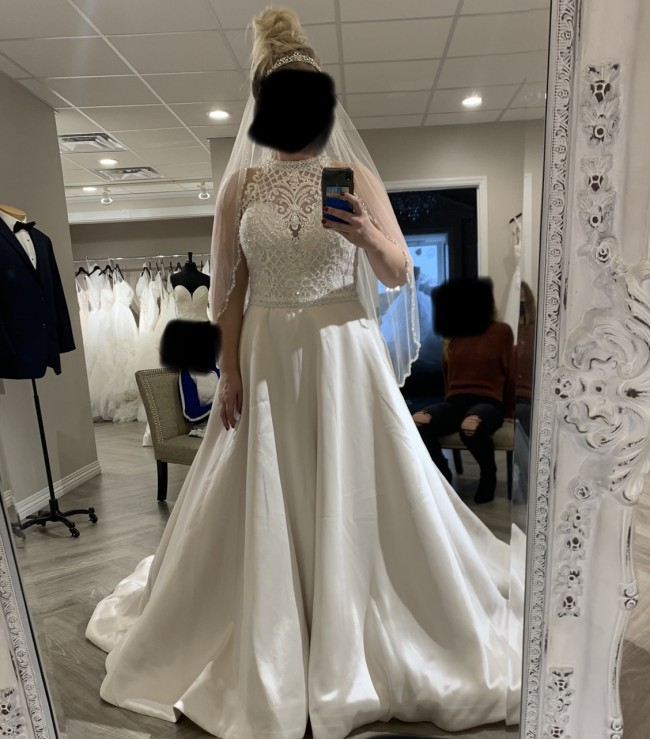 Allure Bridals W442