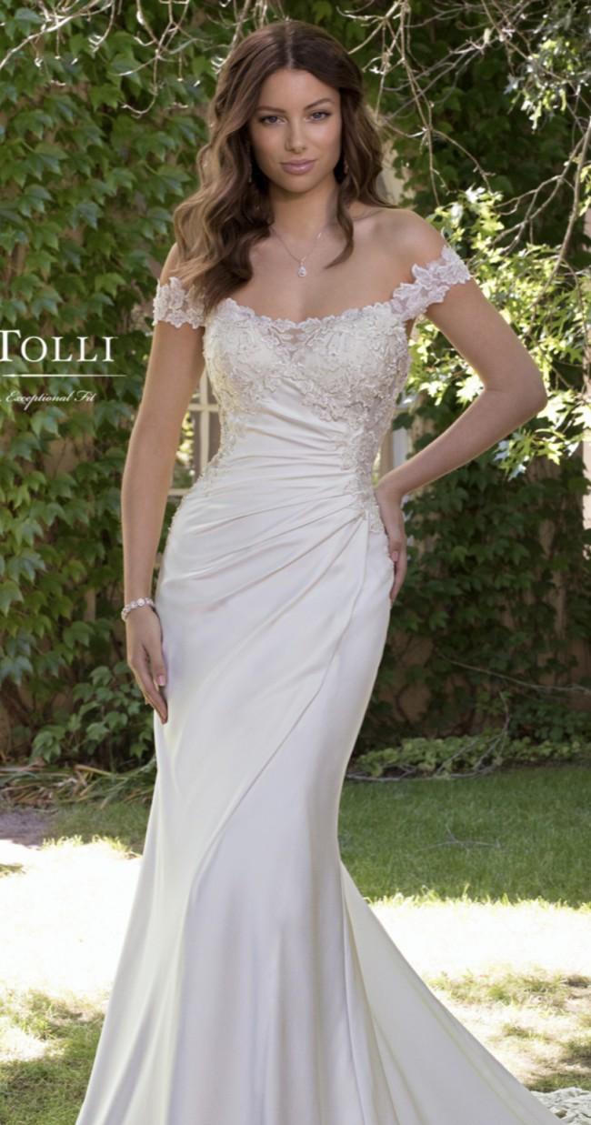Sophia Tolli Y21820