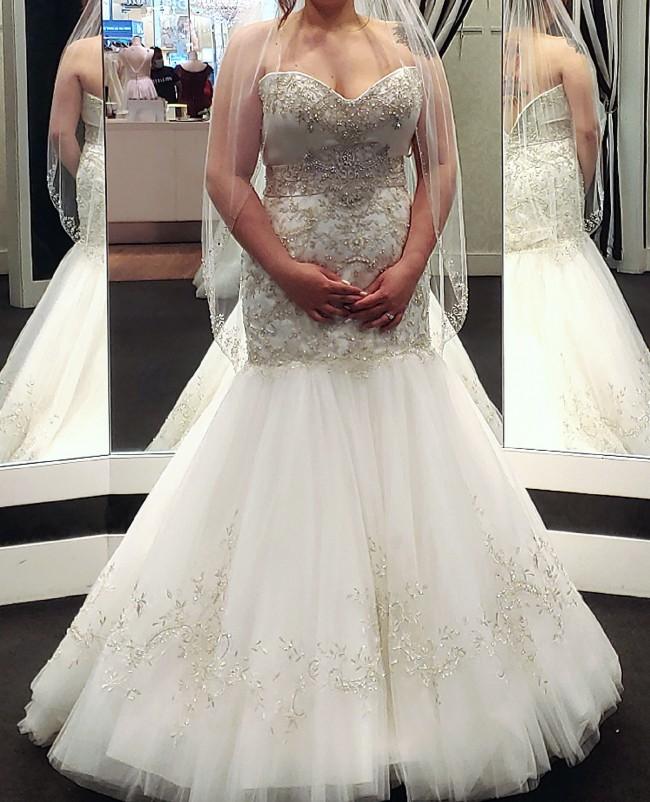 Casablanca Bridal 2138