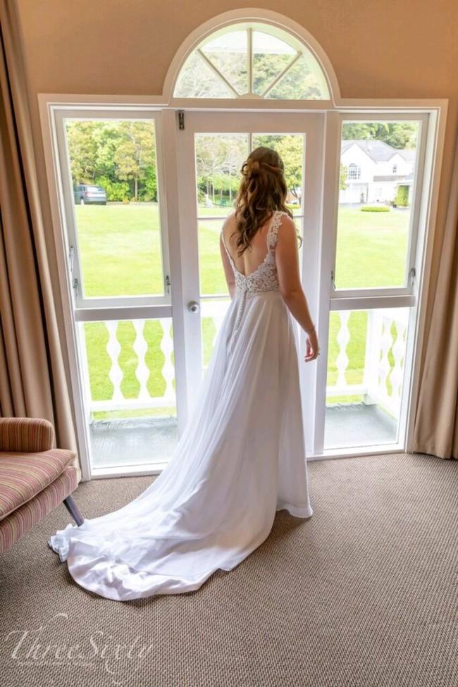 Bonny Bridal, 6616