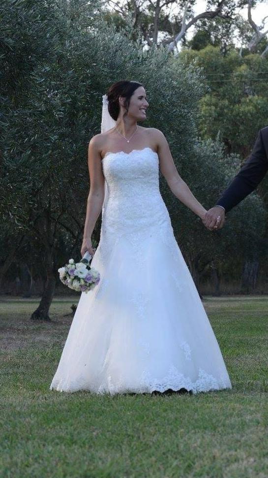 Brides of Melbourne, Fit & Flare