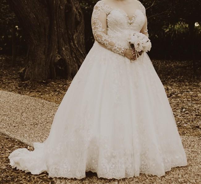 Allure Bridals 9411
