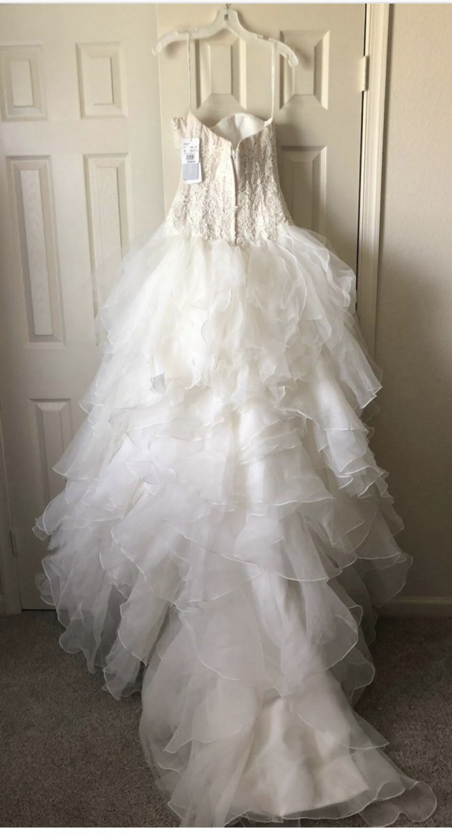 9ced116600c0 Oleg Cassini CWG568 Preowned Wedding Dress on Sale 63% Off - Stillwhite
