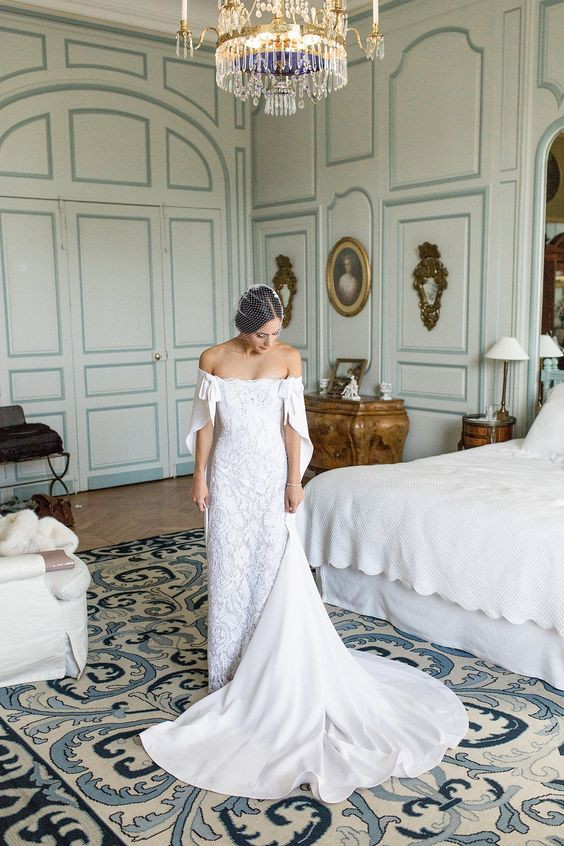 20 Glorious Wedding Dresses With Capes The Stillwhite Blog