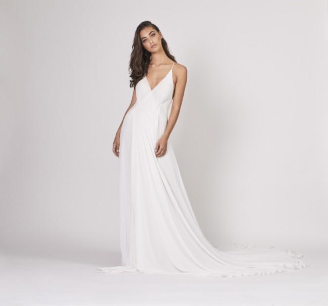 Mira Mandic, Akira gown
