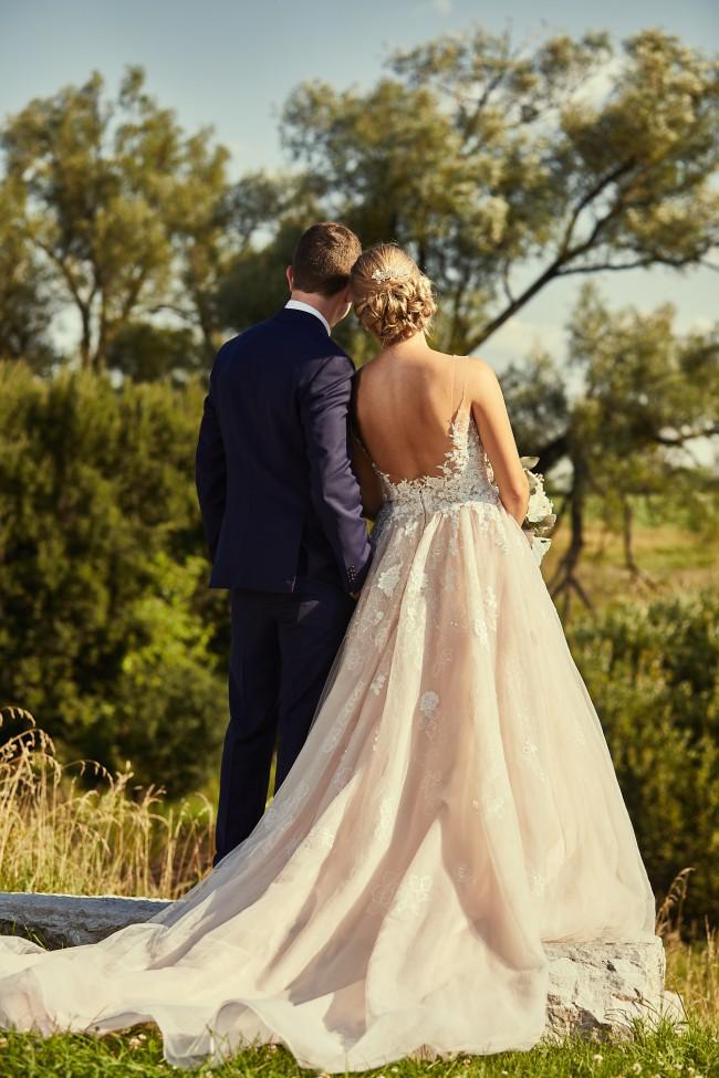 e5f45b211d3 Essense of Australia d2126 Used Wedding Dress on Sale 50% Off ...