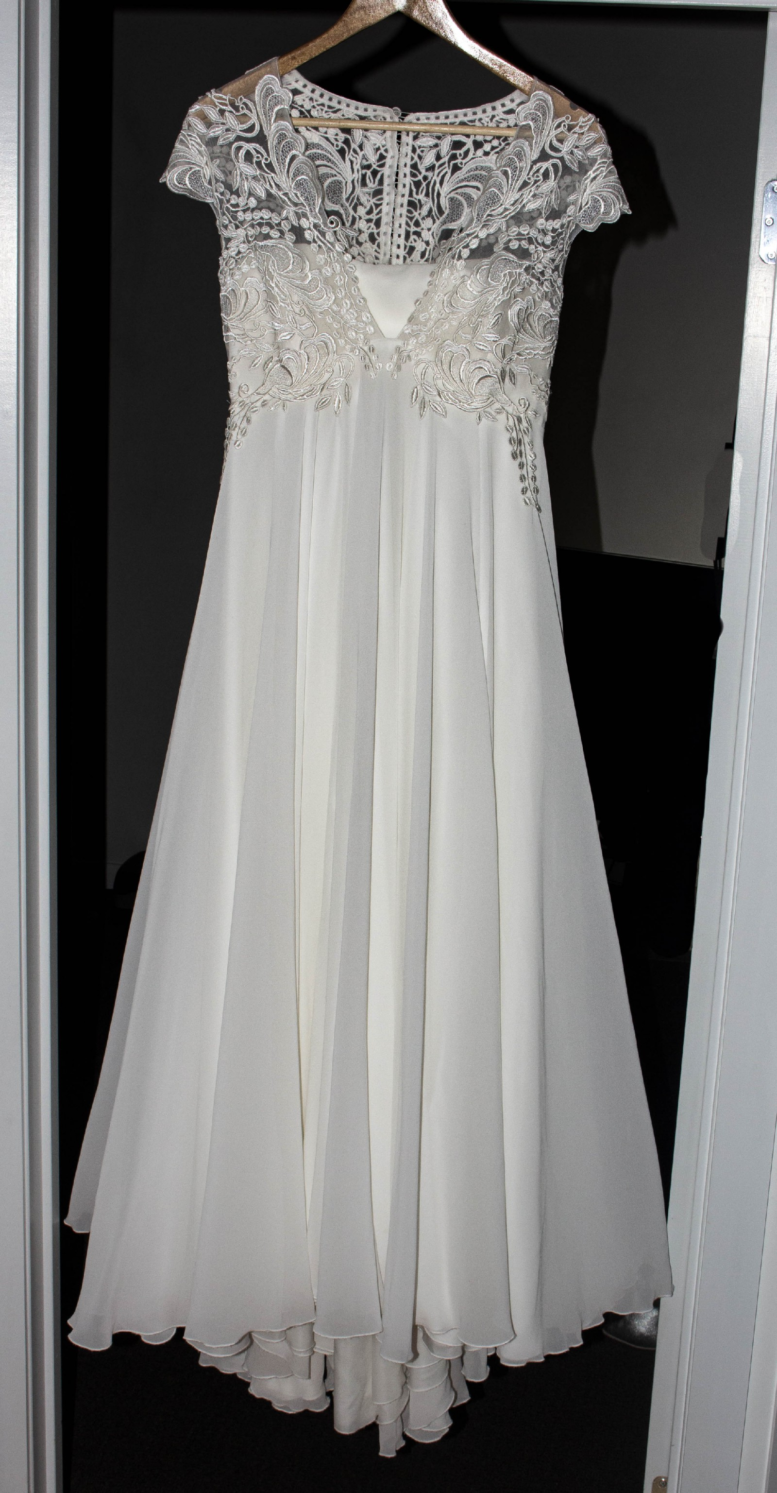 d08073d729b Ida Torez Banjo - 01025 Second Hand Wedding Dress on Sale 71% Off -  Stillwhite South Africa