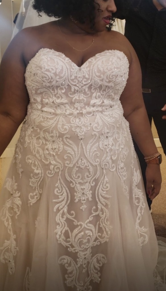 Allure Bridals W417