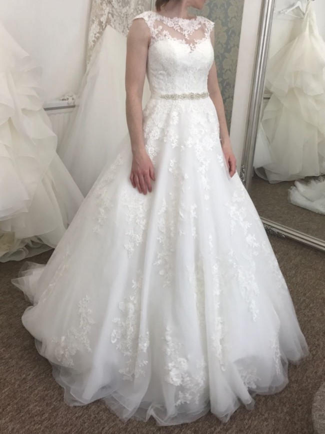 Stella York 6303 New Wedding Dress On Sale 38% Off
