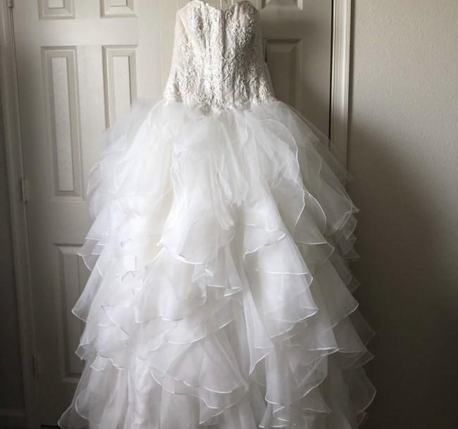 60f50083cf13 Oleg Cassini CWG568 Preowned Wedding Dress on Sale 63% Off ...