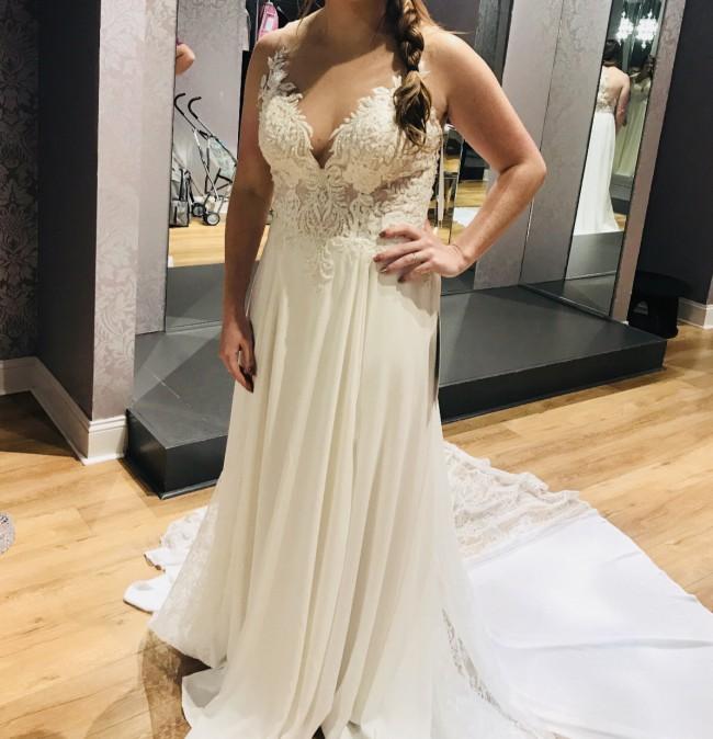 Allure Bridals, Allure 9510