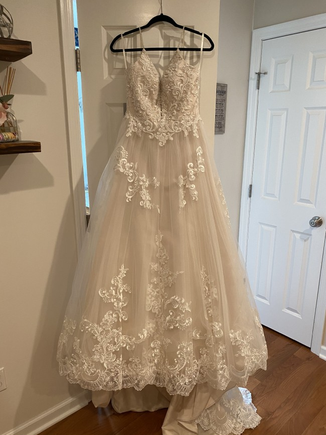 Beloved By Casablanca Bridal BL286