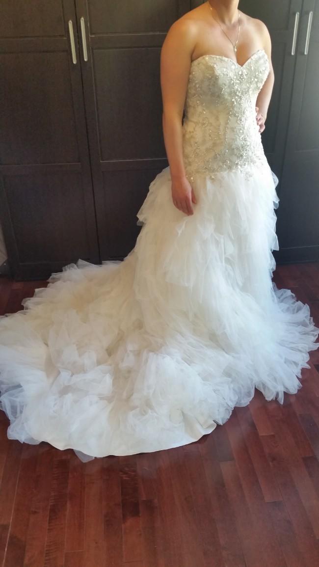 David's Bridal V3665