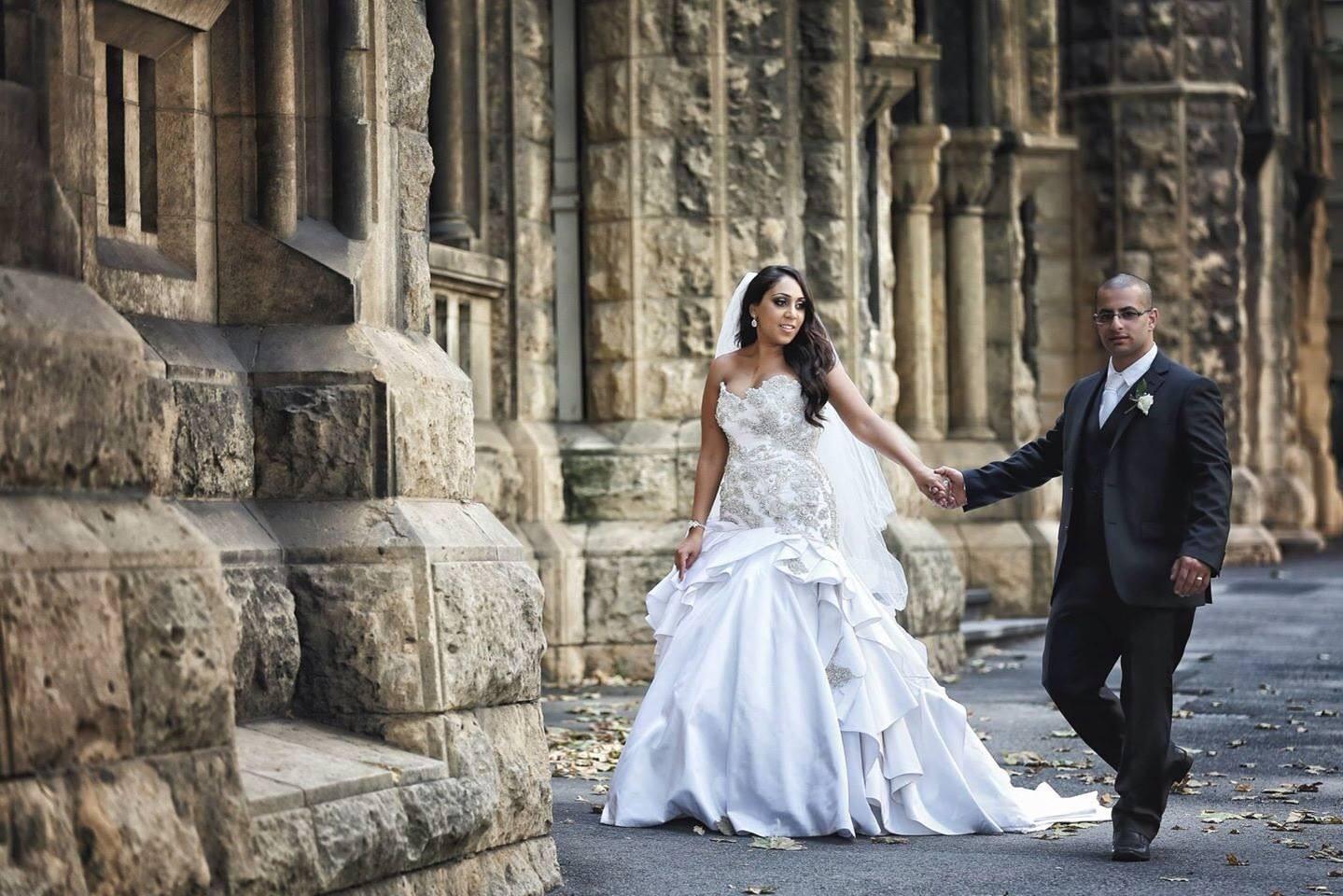 Simple Wedding Dresses Aus: Judith Valente Preowned Wedding Dress On Sale 90% Off