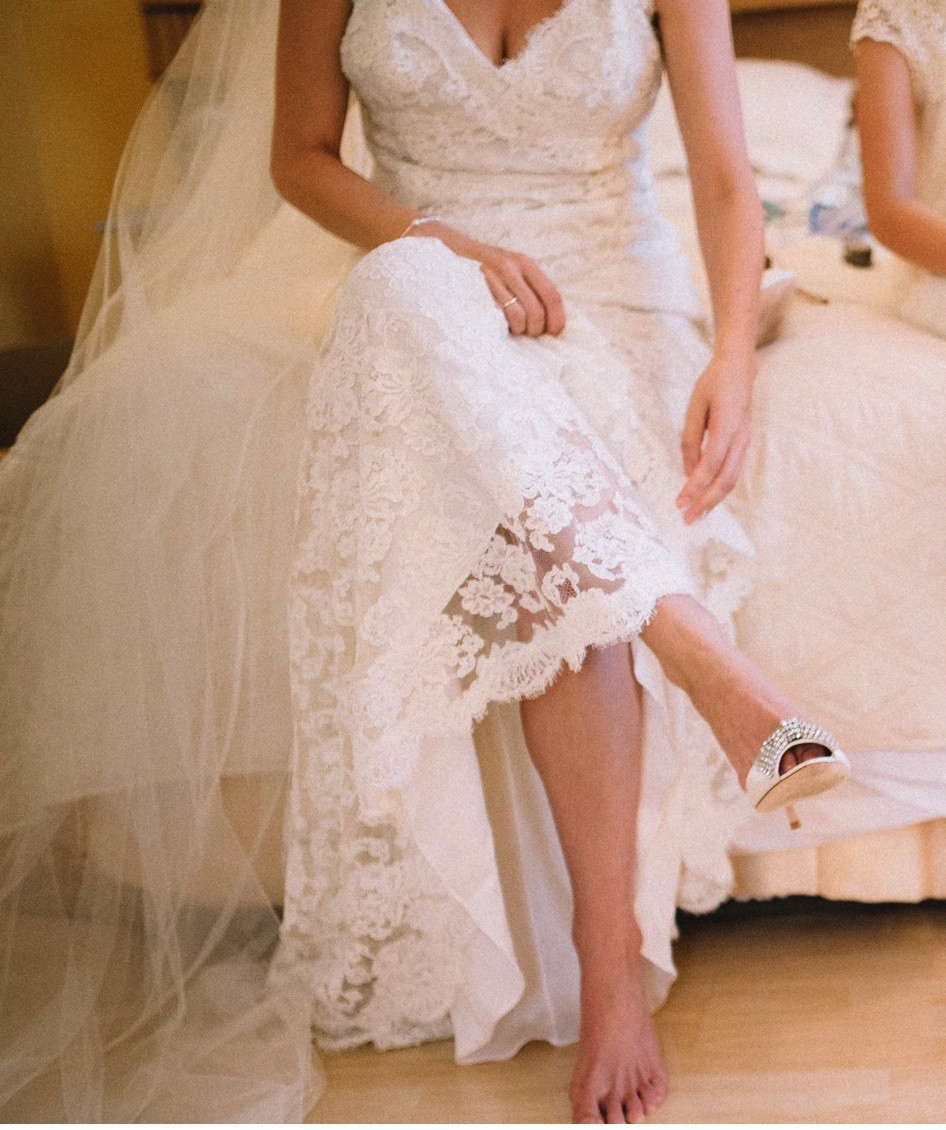 Monique Lhuillier Scarlet Preloved Wedding Dress Save 55% ...