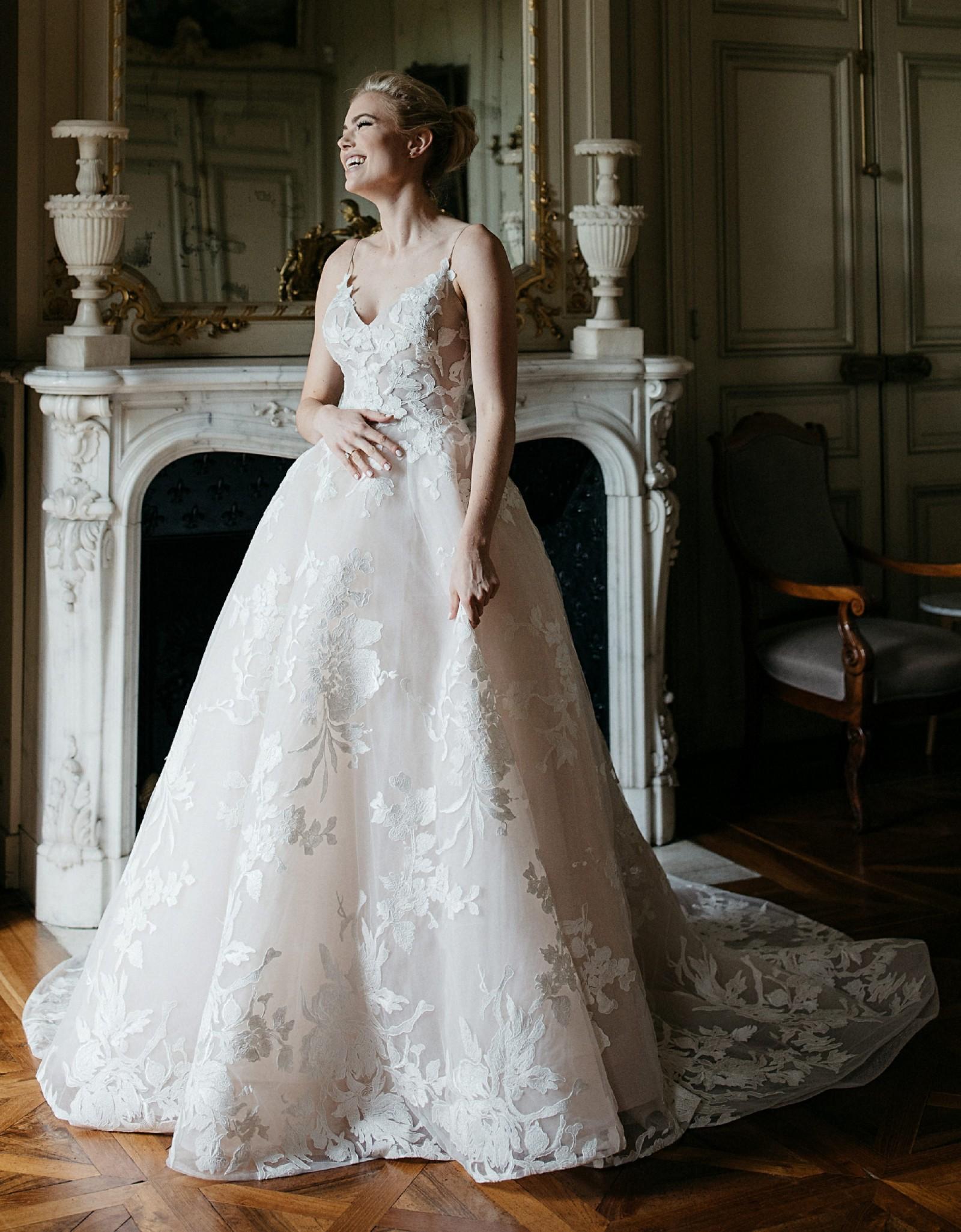 Monique Lhuillier Maeve Lace Dress Second Hand Wedding Dress Save 62 Stillwhite