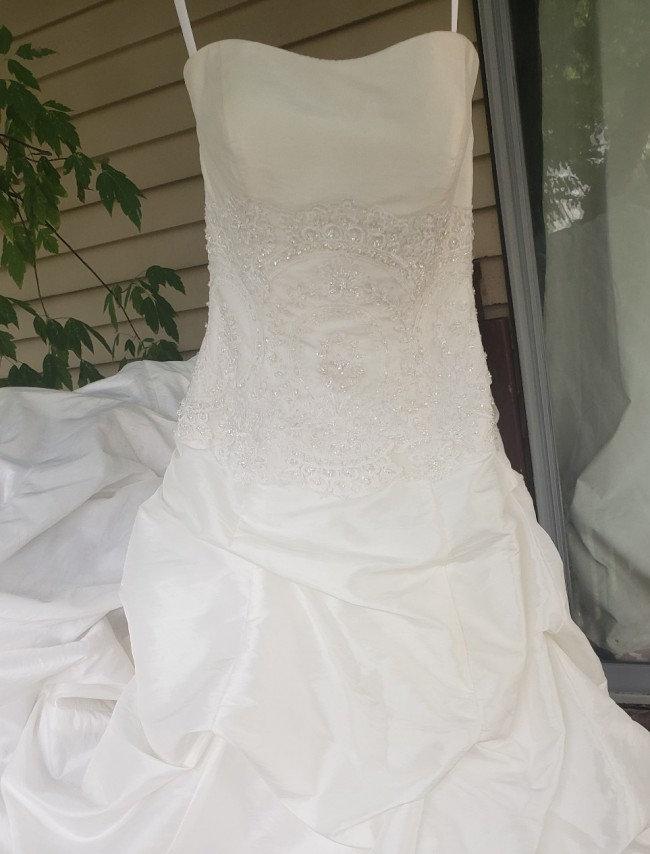 Exclusive Bridals By A.c.e Ivory Allure