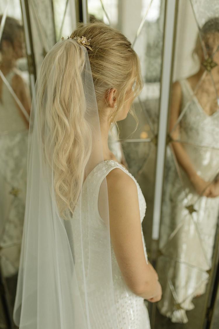 Tania Maras Minimalist Chapel Wedding Veil Hairpiece Used Wedding ...
