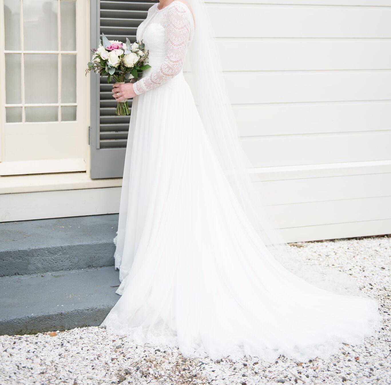 Maggie Sottero Deirdre Used Wedding Dress On Sale 38% Off